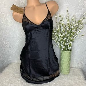 XS S Victoria's Secret Satin Slip Black Lace
